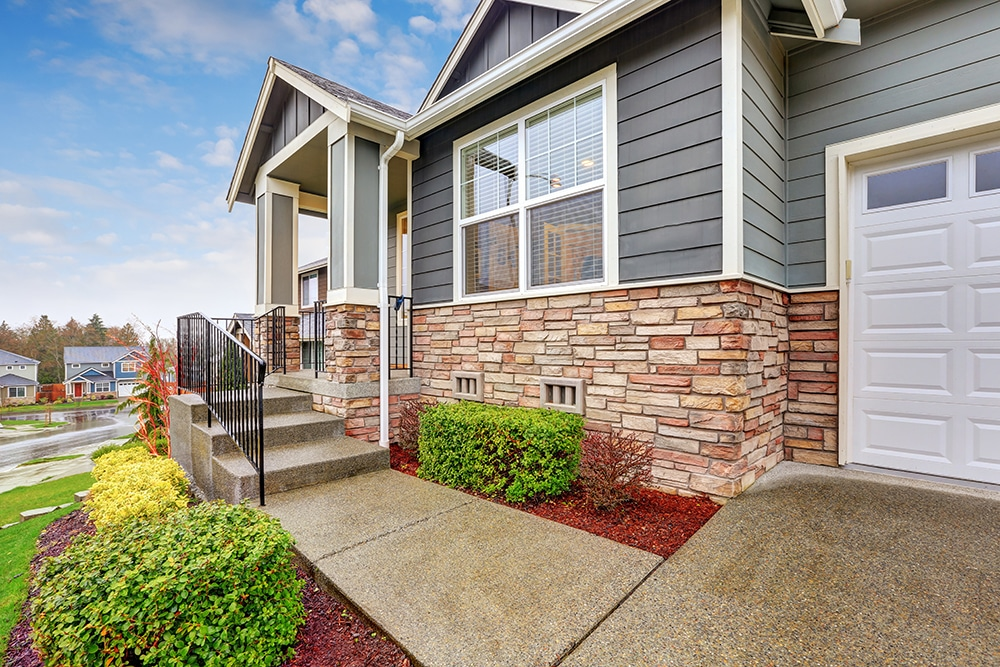 http://www.baileyquicklaw.com/home-safety-guide-walkway-driveway.html